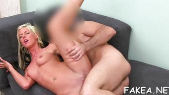 Похотливый мужик порет красивую телку на кастинге большим членом